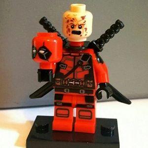 """2 Face Unmasked 1.75"""" Red Deadpool Mini Figure"""